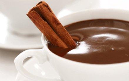 Fake News – La cioccolata calda aiuta a fare meglio i calcoli?