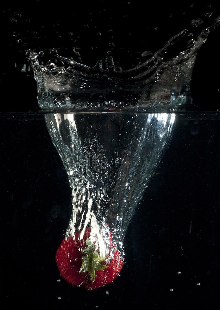 Un'applicazione delle equazioni differenziali alla fisica: la caduta libera in un mezzo resistente