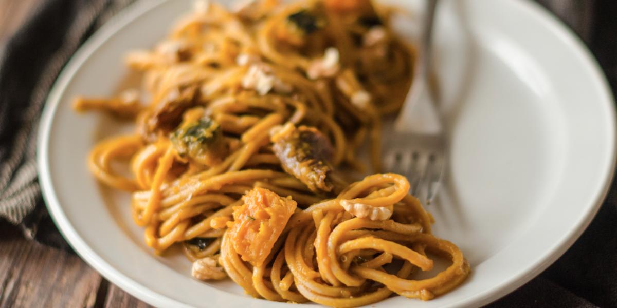 Del perché quando spezzi uno spaghetto non si rompe mai in soli due pezzi