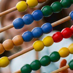Matematica per insegnanti in formazione alle elementari (e alle scuole secondarie): un terzo elemento essenziale