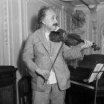 Mathematical Graffiti #11 - Il violino di Einstein
